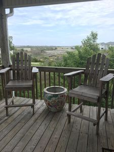 Soundside dream!  Spacious, pet friendly, stunning views, and GREAT location!