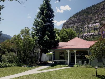 Photo for Adorable Historic Home - Pet Friendly - 2 Blocks to Hot Springs
