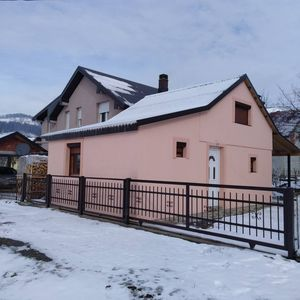 Guest house Balada offers pleasant stay in two-bedroom house with the  fireplace