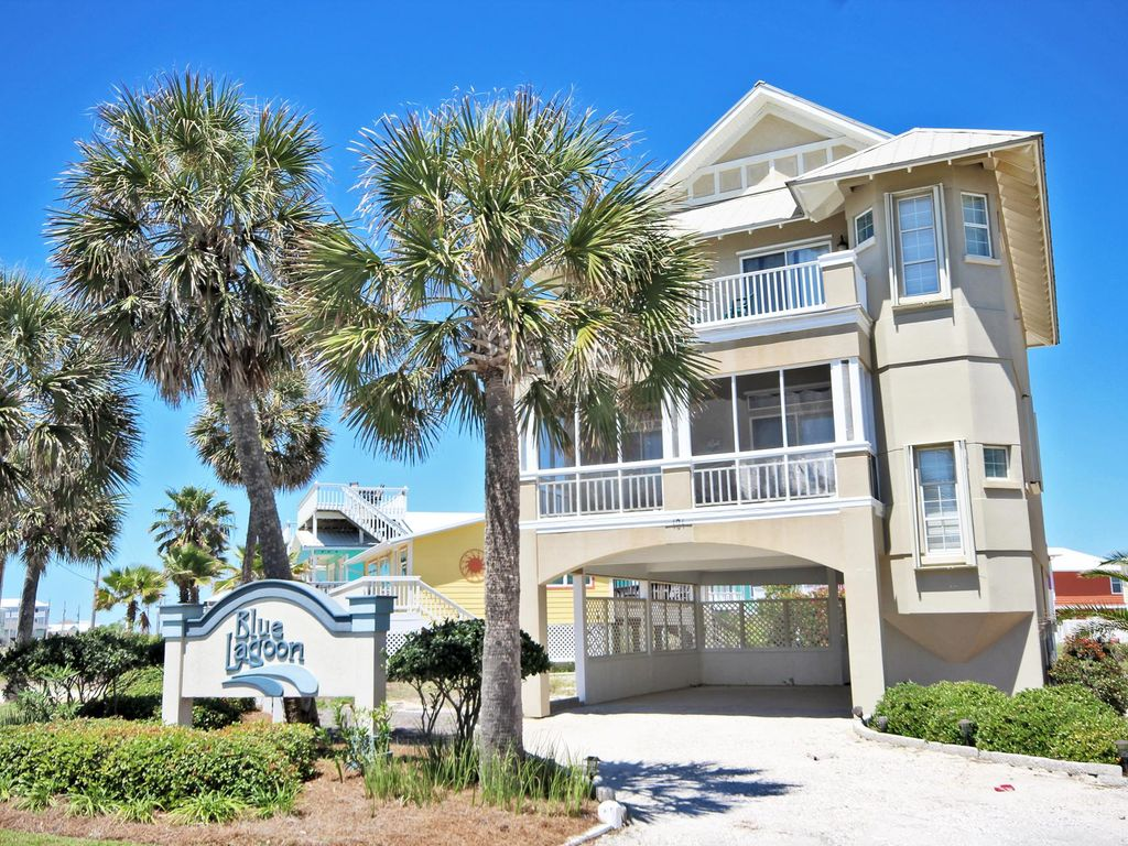 Bikini Bottom - Large 2 Story Home on Stilts Located in the sought after West Beach Area in Gulf Shores!  Every Bedroom has a Private Bath and Balcony Access!  Large Screened Porch off of the Living Area.  Perfect for Group Trips, Family Vacations, Weddings, etc.  Gorgeous Beach Views.  Free Wi-Fi included!