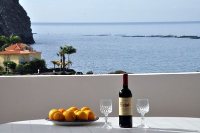 Here you can enjoy the sunset in the evening with a glass of wine!