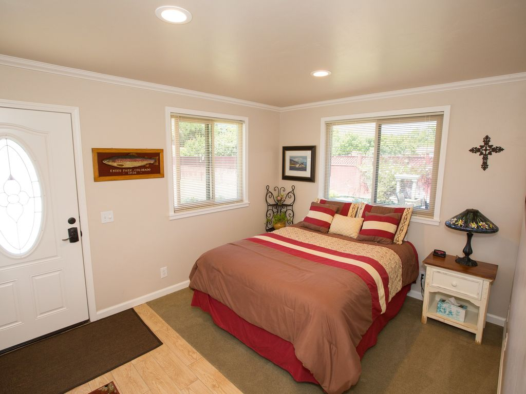 Close In Carmel 2 Bedroom Guest House With Private Patio