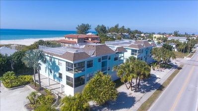 Photo for ANNA MARIA GULF BEACH PLACE JUST STEPS TO THE EDGE OF THE WATER