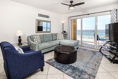 Unbelievable views from this condo!  - The vibrant Living Room has a remarkable 4th floor view of the Gulf.