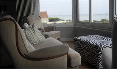 Living Room, Large view of sea