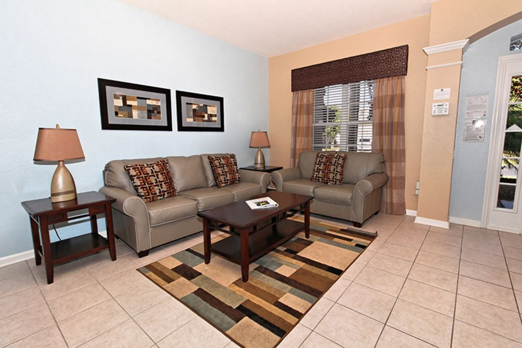 Windsor Wishes Luxury Villa MINUTES TO DISNEY BED MODERN - Modern games room