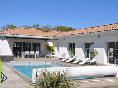 Photo for New house with Jacuzzi and swimming pool near Bordeaux