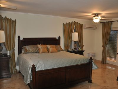 Photo for Private room and pool May-Mid Oct, close to Palm beach