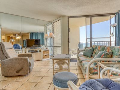 Photo for Lovely waterfront condo with Gulf views and shared pool - walk to the beach!