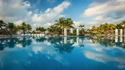 Photo for Luxury Resort & Pampering at Rock Bottom Price