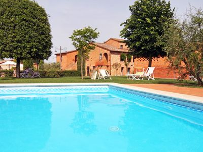 Photo for Apartment More in Montepulciano - 4 persons, 1 bedrooms