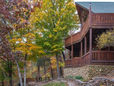 Photo for Deluxe cabin w/ hot tub, game room, 3 fireplaces, 2 decks, mountains of charm!