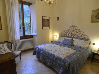 Photo for Elegant apartment with garden just 10 min away from Pontevecchio