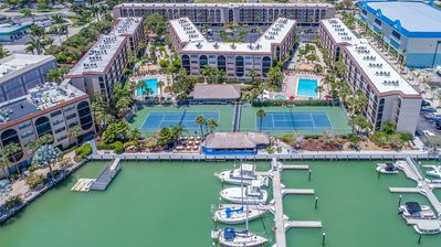 Photo for Fabulous and newly refurbished condo - multi-level unit with Waterfront views!  Tiki Bar-pools-sp...