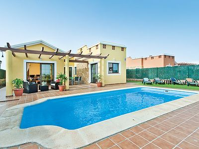 Photo for Single-storey villa perfect for golfers w/ heated pool and free Wi-Fi