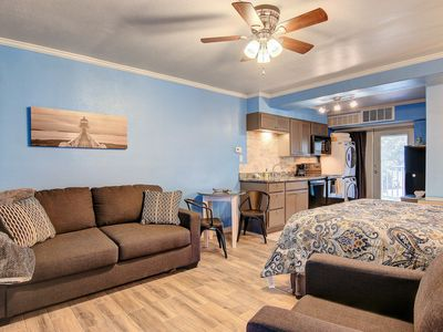 Photo for Charming studio w/ two shared pools, a fitness center, & shared dock, near beach