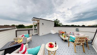 Gorgeously Furnished  Rooftop Deck With a Great View of Nashville