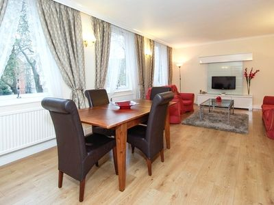 Photo for Modern 2 Bedroom Apartment Near Oxford Street