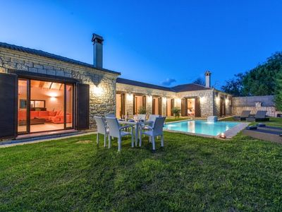 Photo for R 967 Cristo Luxurious Villa with Private Pool, BBQ & Mountain View.