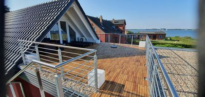 Photo for Exclusive top floor apartment with large roof terrace