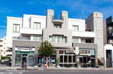 Photo for 224 Lux Apartment Nr UCLA & Buses on Westwood Blvd