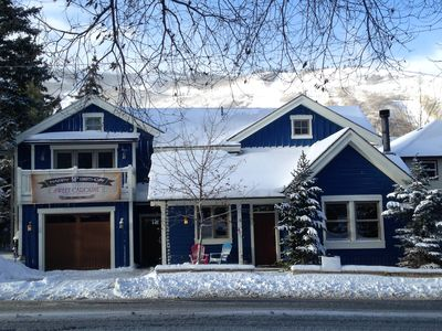 Spacious 4 bedroom home with Park City Mountain Resort just 2 blocks behind!