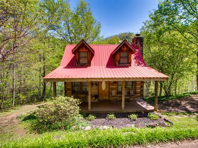 Photo for Bear Hug Too is a cozy traditional style two bedroom, two bathroom log cabin.