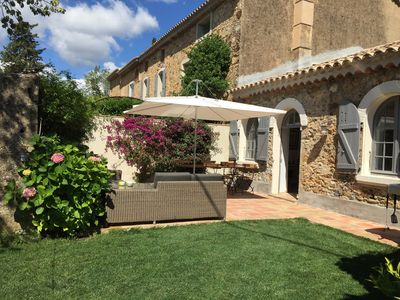 Photo for In an old country house, pretty villa in the middle of vineyards 5 'from St Tropez