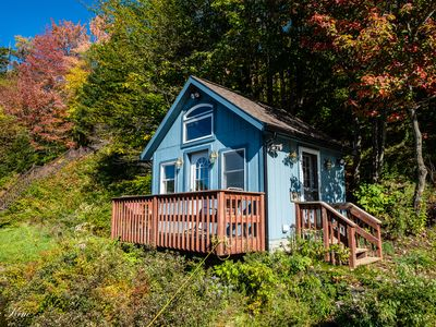 Beautiful Teeny Tiny Cottage On Lake Eden, directly on the water front