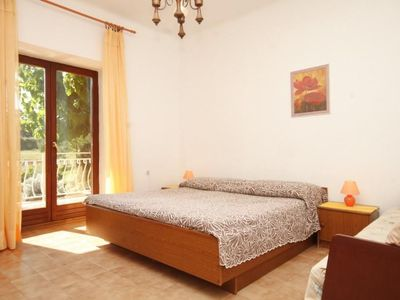 Photo for Cheap apartment in Bašanija, two rooms, WiFi, air-conditioned, parking