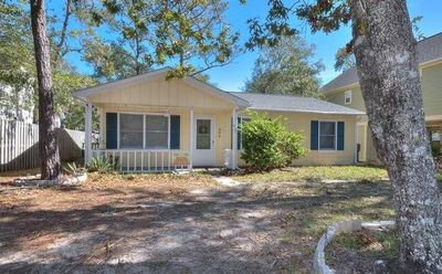 Photo for Beautiful & Affordable, 3 Bdrm/1.5 Bath Woodlands Home-Free Wifi-Sleeps 9