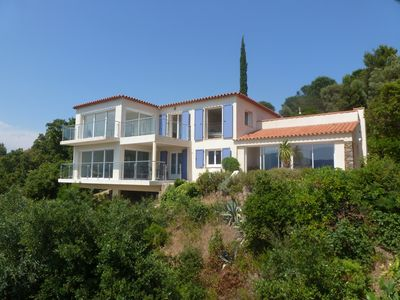 Photo for Villa with stunning views of the sea and the hills, 2 km from the beaches