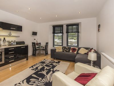 Photo for Light, bright and airy second floor apartment - East Looe