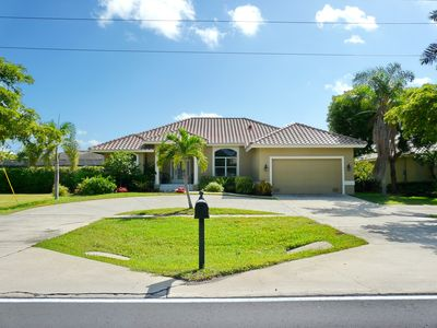 Photo for Tranquil inland home w/ heated pool on private lanai