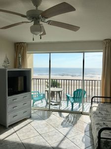 Photo for Oceanfront studio with private sunrise balcony