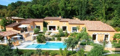 Photo for Rented villa in the gulf of Saint-Tropez to Grimaud village in provence