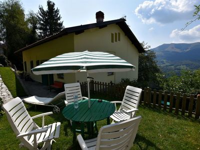 Photo for Single house with garden, terrace, short distance from lakes of Como and Lugano