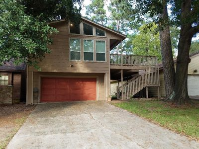 Photo for Enjoy nature in a lake front community! Perfect, spacious family getaway.