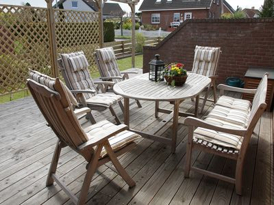 Photo for Bungalow with fenced garden for the extended family - incl. Wi-Fi and beach furniture