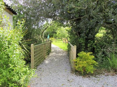 Private Entrance to Orchards End.