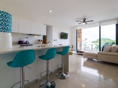Photo for Beautiful 2 BDR condo in Downtown