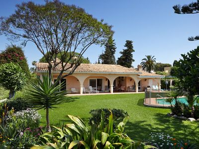 Photo for Luxury Villa with Full AC Large Private Garden and Childsafe Luxury Private Pool