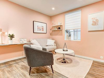 Photo for 2 Bedroom apartment near William Street