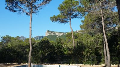 Photo for At the heart of the Pic St Loup between quietude and beauty !!!