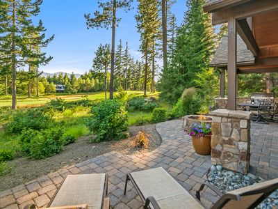 Photo for Posh Suncadia Retreat on the 18th Fairway! Expertly furnished w/ a Hot Tub!!