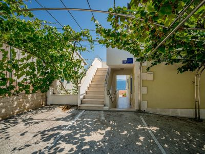 Photo for Lovely apartment for 2 people with pool, WIFI, A/C, TV and parking