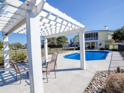 Photo for Happy Crab | 1373 ft from the beach | Dog Friendly, Private Pool