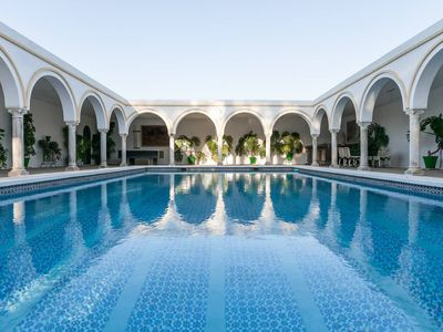 Photo for Villa del Manzano, Complete villa with pool just 15 minutes from Seville