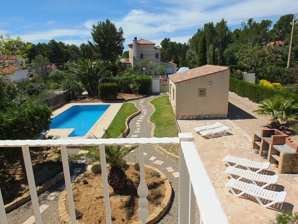 Swimming Pool Air Conditioning : Fabulous luxury villa with large swimming pool air