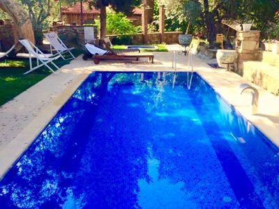 Photo for King Room Daily Rental in Sirince. The property offers an historical Turkish bath in its garden, an outdoor pool and authentic rooms.
